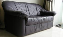 2-seaters leather sofa. Small, handy and comfortable ?