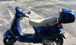 .This LX 150 Vespa model is perfectly sweet and in