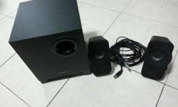 Hi I am selling a 2.1 Creative A320 Speaker @ $40