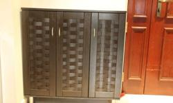 3 door Shoe rack in very good condition. available any