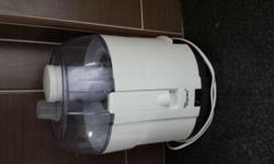 4 months old Fruit Juicer in very good conditions as