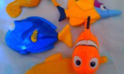 5 finding nemo toys, suitable for bath time! $2 Collect