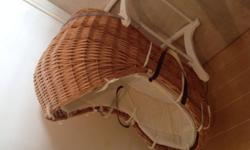 Mothercare The Snug Moses Basket + Mothercare rocking