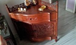 Very good condition side table Traingular side
