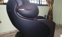 As good as new OSIM uDivine S massage chair Bought in