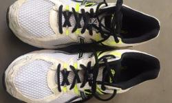 ASICS GT 1000 RUNNING SHOES SIZE 11