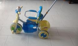 Attractive blue colour cycle for sale !!! It comes with