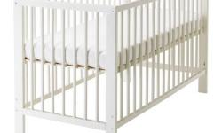 Moving out sale: Selling cot at 1/4th price with free
