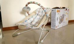 Very low usage & new baby bouncer for sale~! Suitable