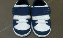 Used baby Nike pre-walker shoe selling in good