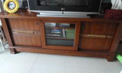 Excellent well-kept condition. Bought for 800 plus and