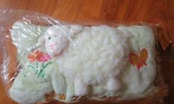 BN New Zealand Authentic Lamb Sheep Wool Pillow. Self