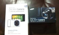 BNIB & sealed Black Samsung Galaxy Camera + Gift pack