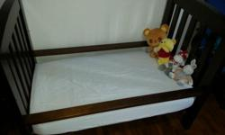 This is beautiful BOORI Country Classic Baby Cot bed