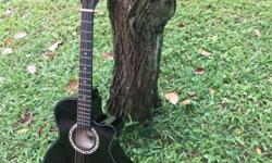 BRAND NEW IN BOX ��Black/Wood coloured Guitar ��38'