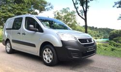 Panel Van With 3 Front Seating Capacity, Comfortable