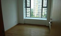 Bright room with own bathroom and excellent closets in