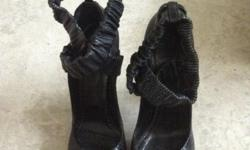 Burberry soles, size 39, high heel, worn twice,