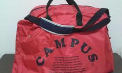 Campus Bag in red canvass. Foldable and lightweight.