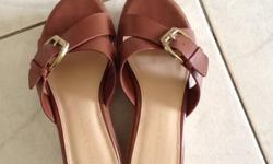 In very good condition! Charles & Keith shoes! Size 37