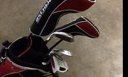 An almost brand new golf set for sale. Can be used