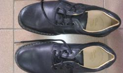 ONE pair like new(see pics) Clark Active Air Men Shoe,