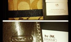 2 month old wallet, very good condition. not in use
