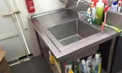 CLOSING DOWN SALE!! Commercial sink with big bowl!!