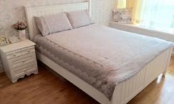 Country-style, white colour bed frame in solid Beech