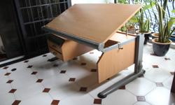 Children's study desk, Made in Germany. desktop can be