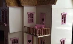 Gorgeous dolls house - handmade in Indonesia in craft