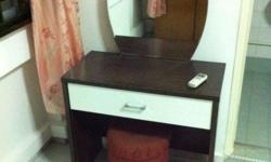 Dressing Table in good condition. Approx dimensions :