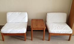 Low White Lounge Chairs (4 units) + Table. Fabric cover