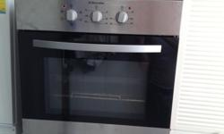 Electrolux EOB203X - 2 years old Large Electrolux oven