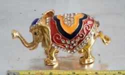 Elephant jewellery container. Golden and cute. Can