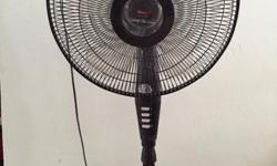 Selling 16� Stand Fan with Timer Good condition and