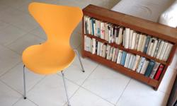 hello, I am selling two original Arne Jakobsen chairs