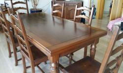 Heavy solid wood from Italy dinning table with 6