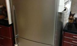 Selling off a 100% working condition Fisher&Paykel