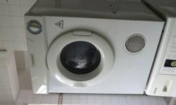Selliing very good condition Fisher Dryer still under
