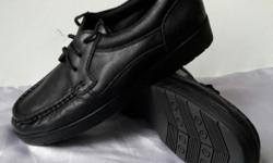 Foottree Black shoes. Very NEW and good condition. See