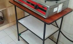gas stove and gas stand in very good condition.price