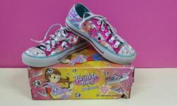 WTS a pair of preloved twinkle toes by Skechers. Size: