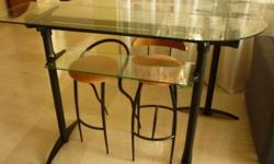 Moving out sales- set of bar table Excellent pre-owned