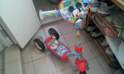 Good Condition Disney 3 wheels Kids Scooter. Lightly