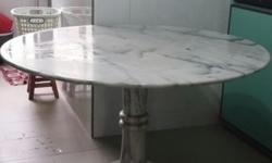 "48"" MARBLE ROUND TABLE ASKING $150 PLS CALL 96703800"