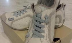 HUSH PUPPIES comfy walking shoe size 39 selling for
