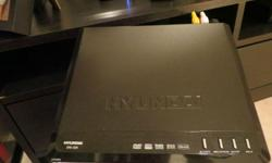HYUNDAI dvd player, black, compact and in great