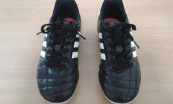 Hi, I want to sell football / soccer shoes which is