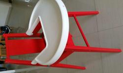 One unit in good condition Very solid construction. Red